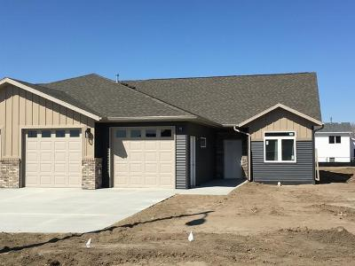 Bismarck Single Family Home For Sale: 4208 Cumberland Lp