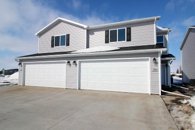 Mandan Single Family Home For Sale: 714 Hillcrest Drive SE