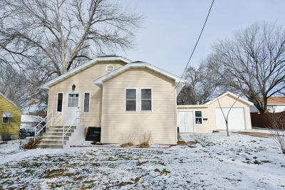 Bismarck Single Family Home For Sale: 2104 E Avenue D