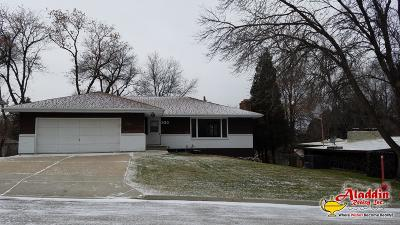 Bismarck Single Family Home For Sale: 930 Arthur Drive