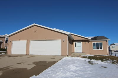Bismarck Single Family Home For Sale: 4518 Tucker Lane
