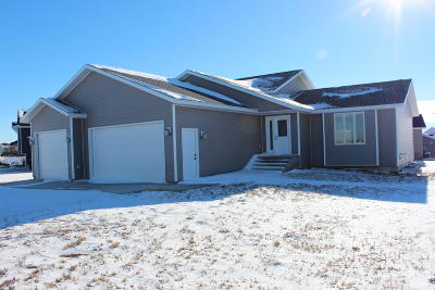 Mandan Single Family Home For Sale: 3908 Trident Court NW