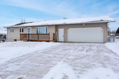 Mandan Single Family Home For Sale: 812 Johns Drive NE