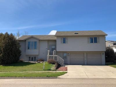 Bismarck Single Family Home For Sale: 3508 Ridgecrest Drive
