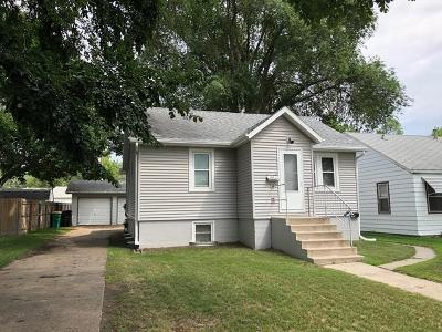 Bismarck Single Family Home For Sale: 717 N 15th Street