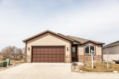 Mandan Single Family Home For Sale: 3834 Lillian Court SE