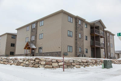 Bismarck Condo/Townhouse For Sale: 3415 Hamilton Street #4