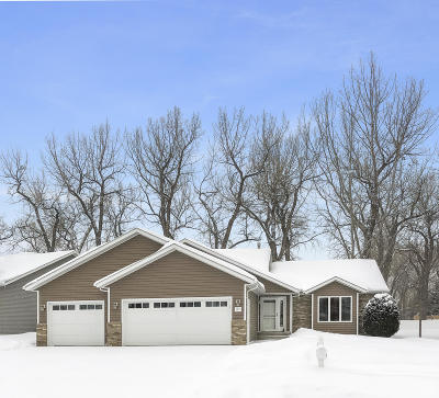 Mandan Single Family Home For Sale: 3434 Heartwood Drive SE