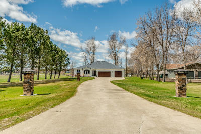 Bismarck Single Family Home For Sale: 8636 Island Road