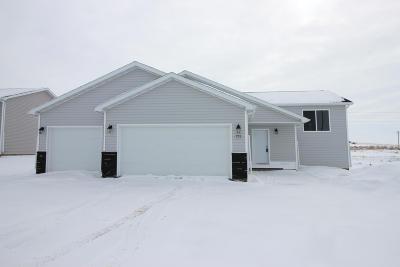 Mandan Single Family Home For Sale: 705 Cobblestone Loop SW