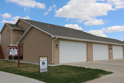 Mandan Condo/Townhouse For Sale: 2342 Lexi Loop SE #2