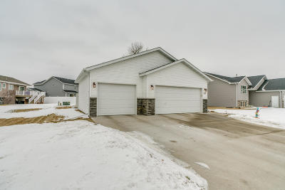 Mandan Single Family Home For Sale: 3608 Bay Shore Bnd SE