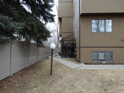 Bismarck ND Condo/Townhouse For Sale: $144,900