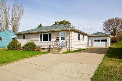 Bismarck Single Family Home For Sale: 2206 D Avenue E