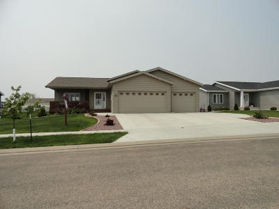 Bismarck Single Family Home For Sale: 3324 Butterfield Drive