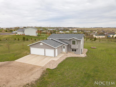 Bismarck Single Family Home For Sale: 2435 Telluride Lane