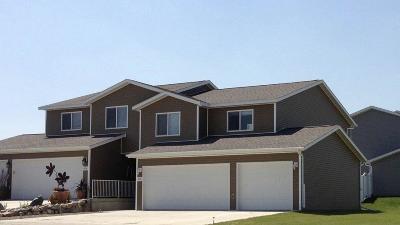 Bismarck Single Family Home For Sale: 4918 Windsor Street