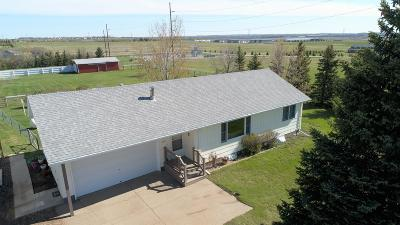 Bismarck Single Family Home For Sale: 600 1804 Highway NE
