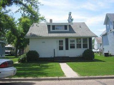 Underwood Single Family Home For Sale: 207 Garfield Avenue