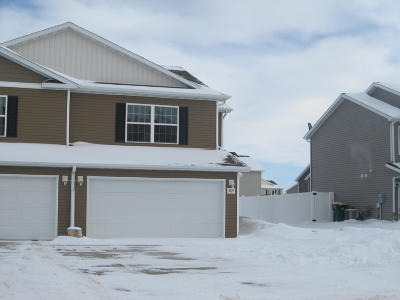 Bismarck ND Single Family Home For Sale: $199,900