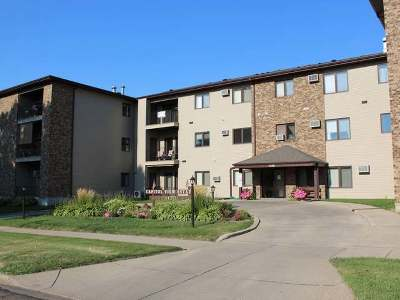 Bismarck Condo/Townhouse For Sale: 1120 12th Street N #18