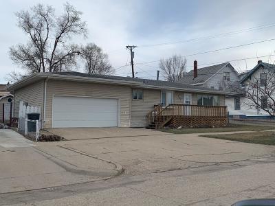Mandan Single Family Home For Sale: 302 2nd Street NE