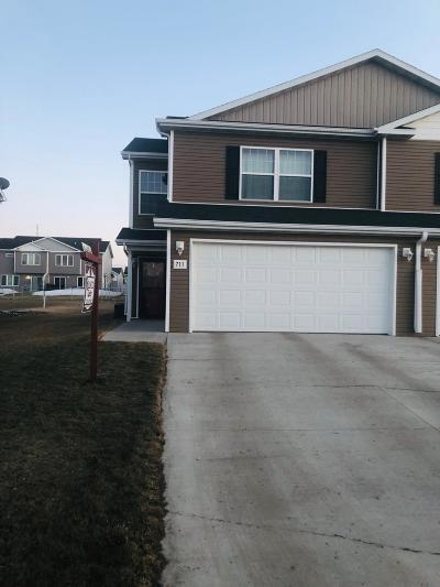 Bismarck Single Family Home For Sale: 711 Weyburn Drive Drive