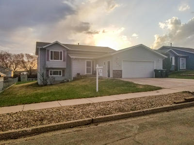 Mandan Single Family Home For Sale: 1204 Whitman Road SE