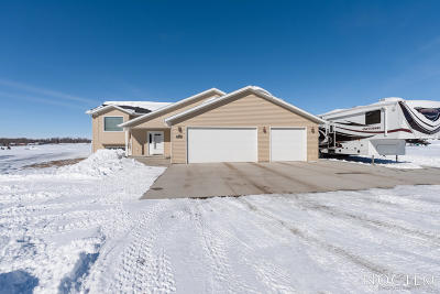 Bismarck Single Family Home For Sale: 5500 Shoal Drive