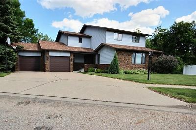 Bismarck Single Family Home For Sale: 3309 Overlook Drive