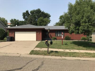 Mandan Single Family Home For Sale: 2605 11th Avenue NW