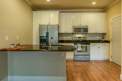 Bismarck Condo/Townhouse For Sale: 1208 Owens Avenue W #8