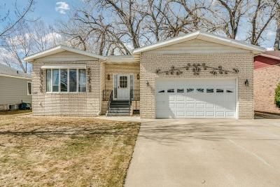 Mandan Single Family Home For Sale: 107 Shady Lane NE