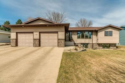 Mandan Single Family Home For Sale: 1305 4th Avenue NE