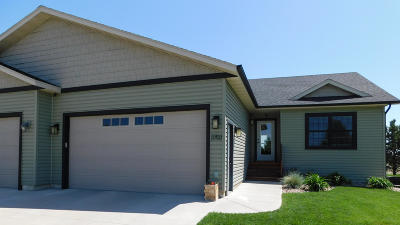 Bismarck Single Family Home For Sale: 3703 Downing Street