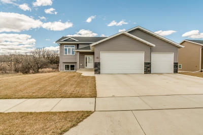 Mandan Single Family Home For Sale: 1817 Plains Bnd SE