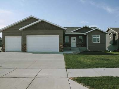 Mandan Single Family Home For Sale: 707 Canyon Road