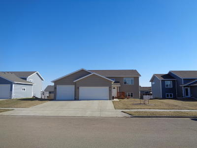 Mandan Single Family Home For Sale: 5016 39 Avenue NW