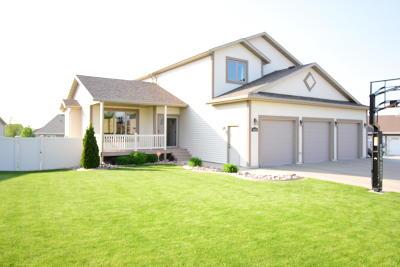 Bismarck Single Family Home For Sale: 4818 Granite Drive