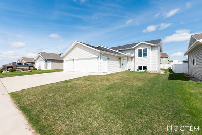 Mandan Single Family Home For Sale: 3804 48th Street NW