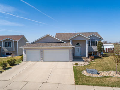 Mandan Single Family Home For Sale: 2905 Plainview Drive SE
