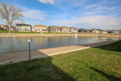 Mandan Condo/Townhouse For Sale: 2342 Lexi Loop SE #3