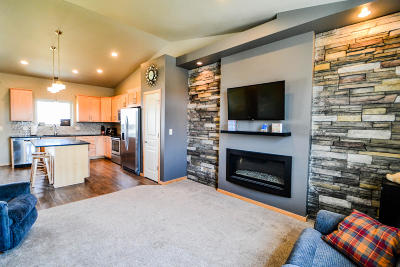 Bismarck Single Family Home For Sale: 630 Slate Drive