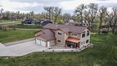 Bismarck Single Family Home For Sale: 6623 Fox Meadow Dr Drive