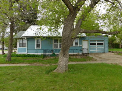Mandan Single Family Home For Sale: 1200 1st Street NW