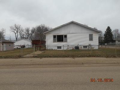 Mandan Single Family Home For Sale: 303 4th Avenue SW
