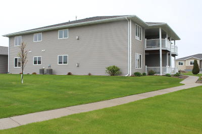 Bismarck ND Condo/Townhouse For Sale: $239,000