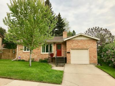Mandan Single Family Home For Sale: 1104 6th Street NW