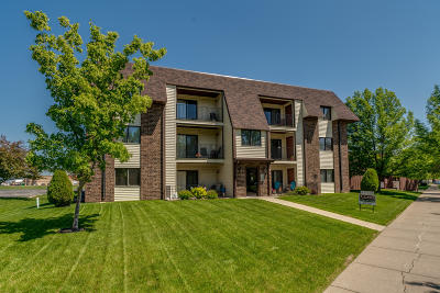 Bismarck Condo/Townhouse For Sale: 2705 Gateway Avenue #11
