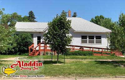 Mandan Single Family Home For Sale: 400 3rd Avenue NW